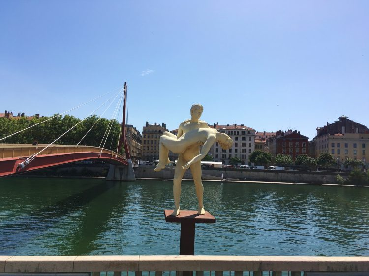 Statue - The weight of One Self, oeuvre de Michael Elmgreen & Ingar Dragset (Lyon)