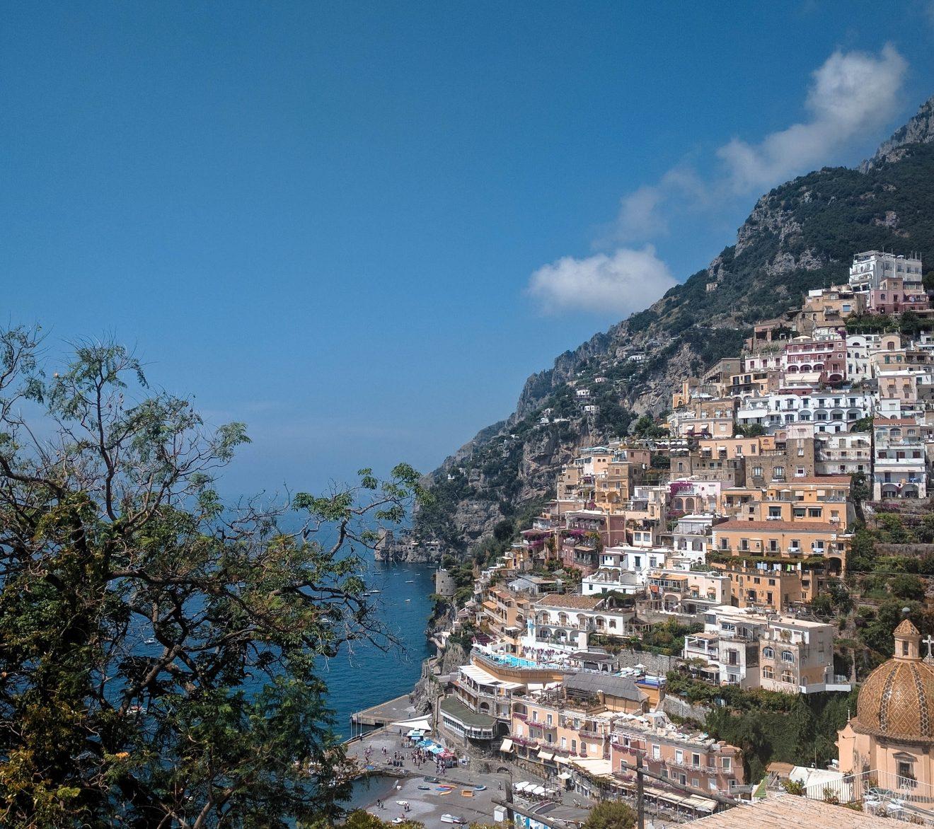 Maisons sur le flanc côtier de Positano