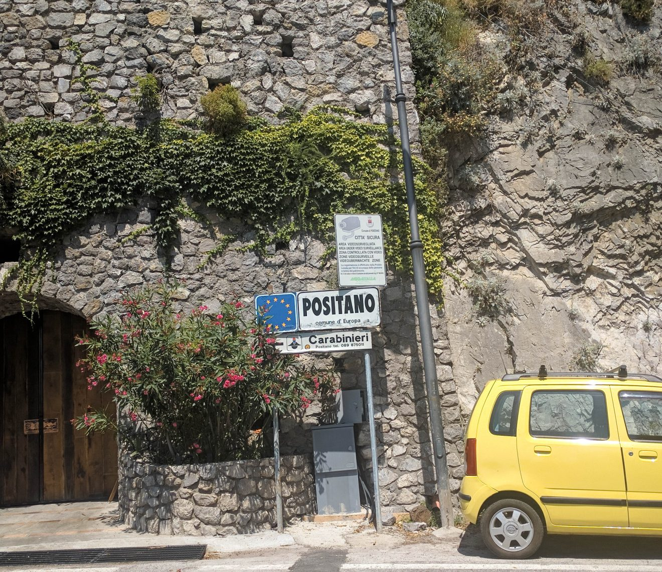 Panneau de signalisation de la ville de Positano
