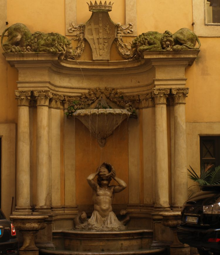 Fontaine Romaine avec colonnes